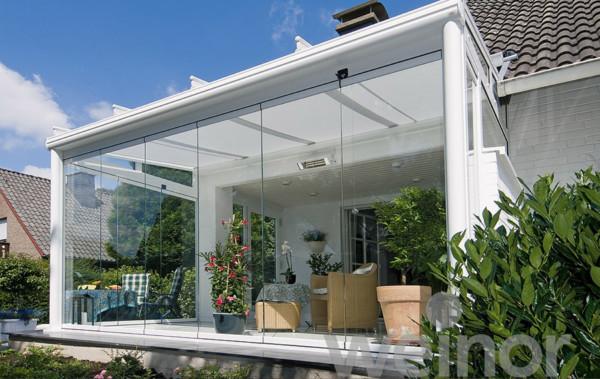 Weinor Terrassendach mit Glasschiebewände